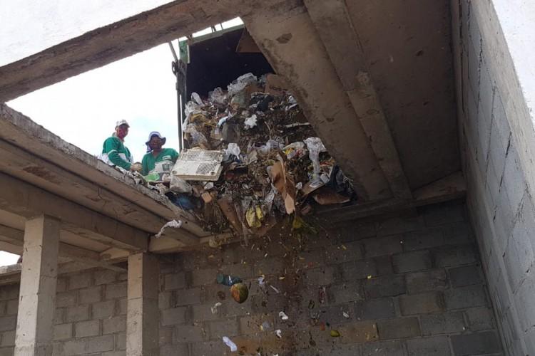 Complexo visa recolher e tratar corretamente os resíduos sólidos, evitando prejuízos socioambientais e riscos à saúde pública. (Foto: Divulgação/ Secretaria das Cidades do Ceará)
