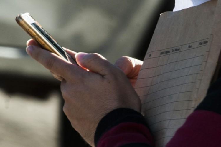Acesso internet celular (Foto: Marcello Casal Jr/Agência Brasil)