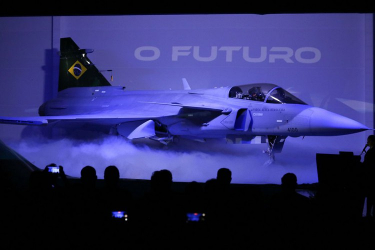 Workshop F-39 Gripen, na Ala 1 da Base Aérea de Brasília. O Comando da Aeronáutica fez uma exposição sobre os detalhes técnicos e as possibilidades dos novos F-39E Gripen recebidos da Suécia. (Foto: Fabio Rodrigues Pozzebom/Agência Brasil)