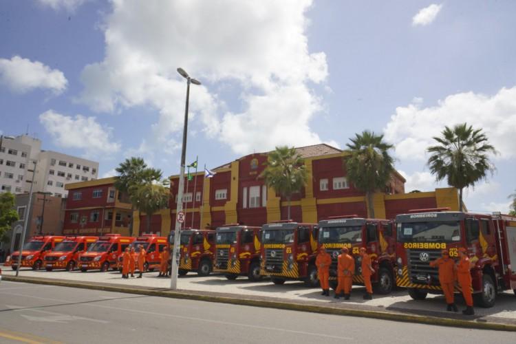 Governo do Ceará investiu R$ 4,4 milhões nos veículos que foram entregues ao Corpo de Bombeiros (Foto: Carlos Gibaja/ Governo do Ceará )