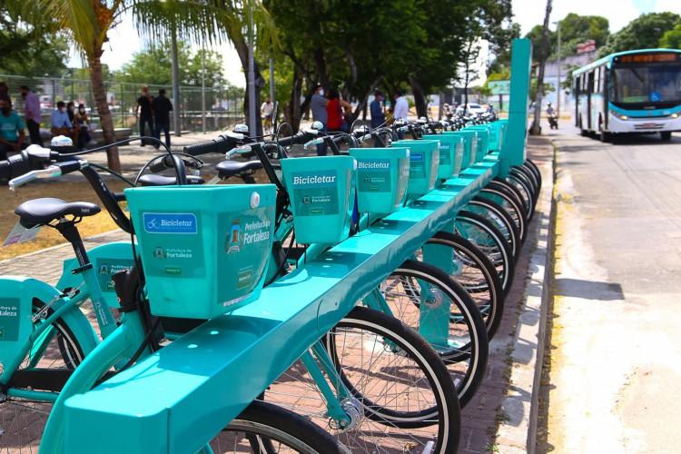 Estações inauguradas no bairro Bom Jardim marcam continuidade do projeto de expansão do Bicicletas em novas regiões de Fortaleza (Foto: Divulgação/Prefeitura de Fortaleza)