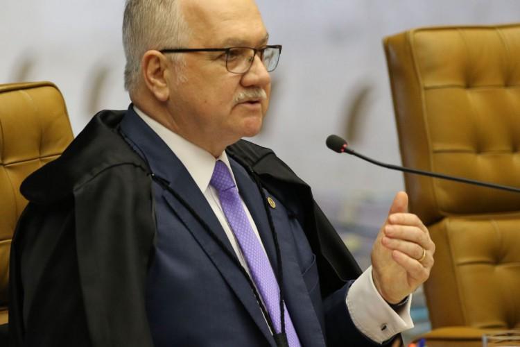 O ministro Edson Fachin, durante sessão do STF que retoma julgamento sobre o compartilhamento de dados bancários e fiscais. (Foto: Fabio Rodrigues Pozzebom/Agência Brasil)