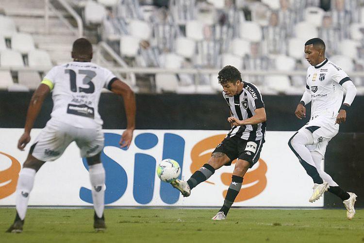 Luiz Otávio foi um dos expulsos no embate entre Botafogo e Ceará (Foto: Vitor Silva/BotafogoFR)