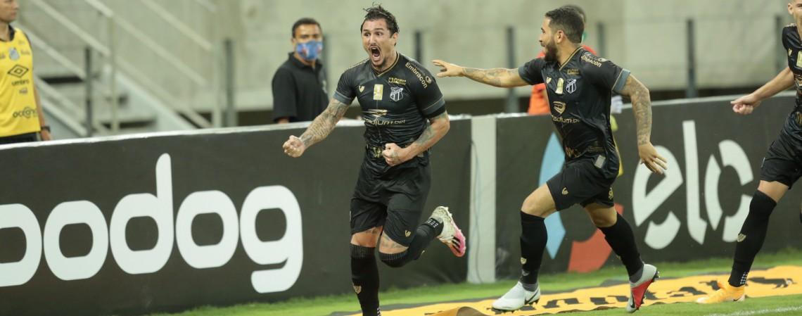 O meia Vina é o destaque ofensivo do Ceará na Série A de 2020, com oito gols e seis assistências (Foto: Julio Caesar / O POVO)