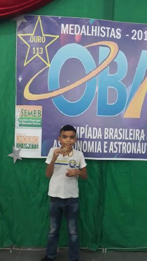 André Lucas tem destaque também na escola, além da música (Foto: Arquivo Pessoal/Jucelino Castro)