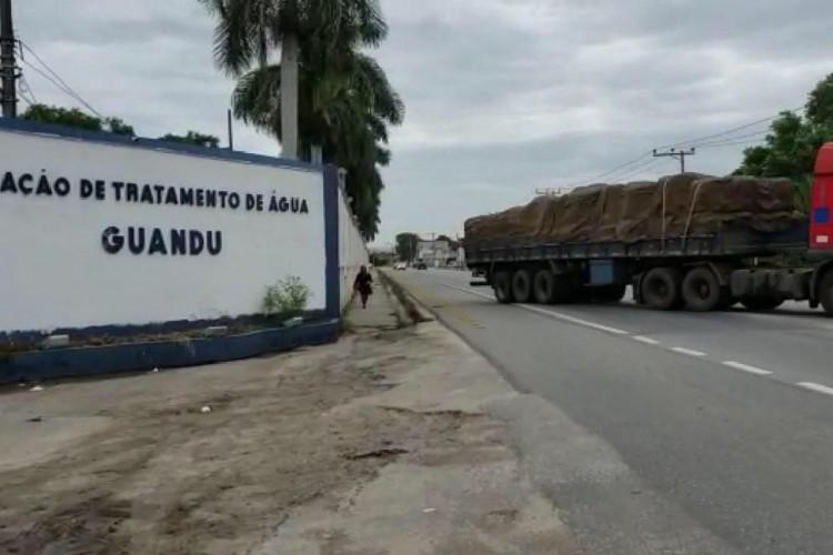 Biólogo teme que esgoto sem tratamento gere nova crise de água no Rio  (Foto: )