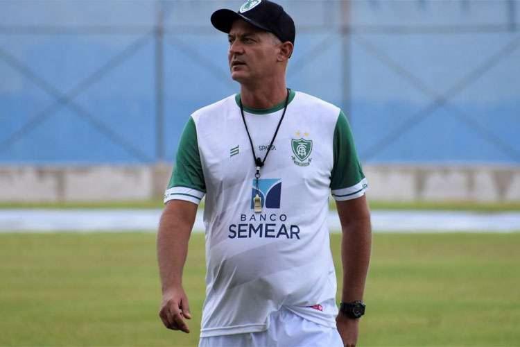 Lisca, treinador do América-MG em 2020 (Foto: Daniel Hott/América-MG)