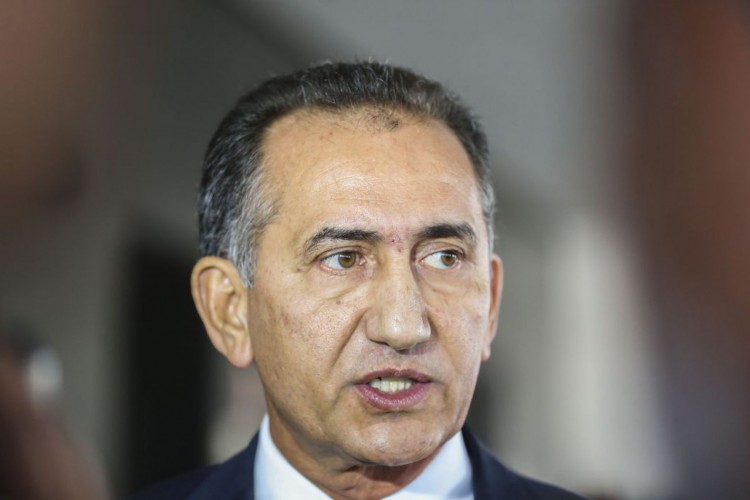 O governador do Amapá, Waldez Góes, fala à imprensa no Palácio do Planalto (Foto: Antonio Cruz/ Agência Brasil)
