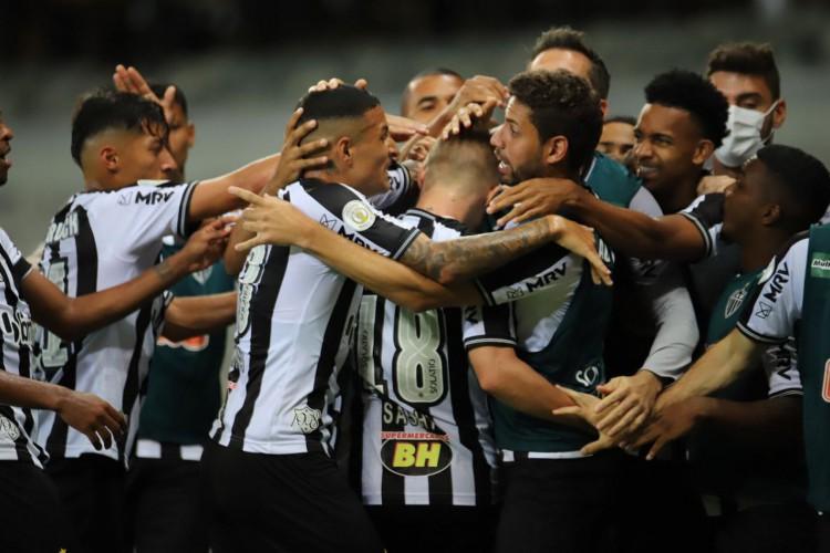 Atlético-MGgoleia Flamengo e chega à vice-liderança do Brasileirão (Foto: Pedro Souza)
