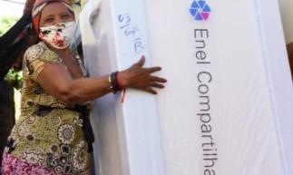 Podem participar consumidores cadastrados na Tarifa Social de Energia Elétrica, clientes rurais e residenciais plenos, que usam em média até 200 KWh/mês, e tenham geladeira em casa funcionamento normalmente com todas as peças
