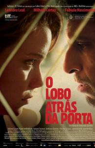 """Filme """"O Lobo Atrás da Porta"""", de Fernando Coimbra"""
