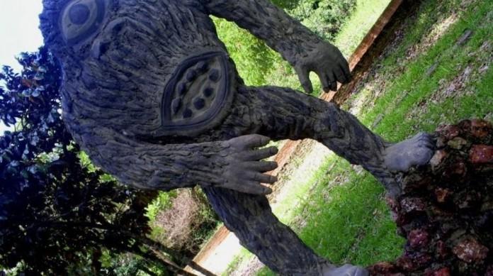 Estátua do Mapinguari no Parque de Paragominas, no Pará
