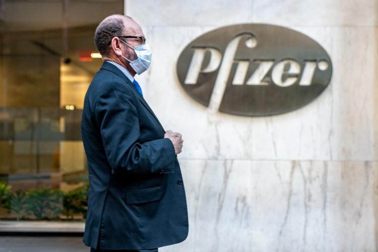 Anúncio foi feito pelo laboratório alemão BioNTech, que tem uma associação com a americana Pfizer  (Foto: David Dee Delgado/Getty Images/AFP)
