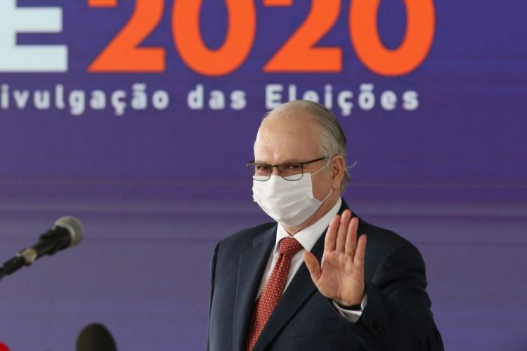 O vice-presidente do TSE, ministro Edson Fachin, fala à imprensa, após a cerimônia de verificação de assinaturas do sistema de totalização dos votos. (Foto: Fabio Rodrigues Pozzebom/Agência Brasil)