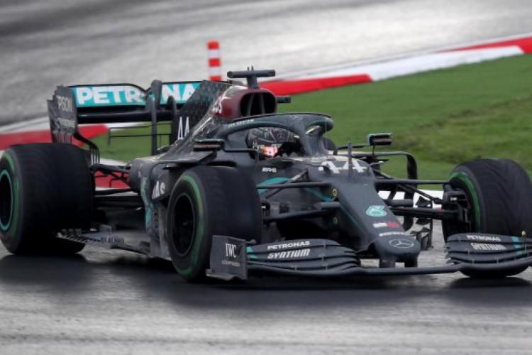 Lewis Hamilton no Grande Premio da Turquía.   (Foto: AFP)