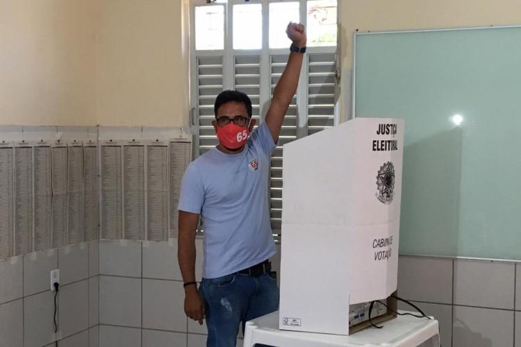 Candidato votou nesta manhã (Foto: Divulgação)