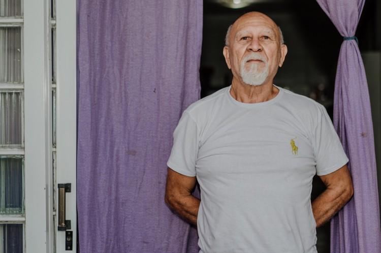 José Clarindo de Queiróz, 70 anos.Professor de karatê e praticante de artes marciais desde os 9 anos. Desde 2017, enfrentava suspeitas de câncer de próstata. Operou em junho de 2020 de um câncer já em fase agressiva