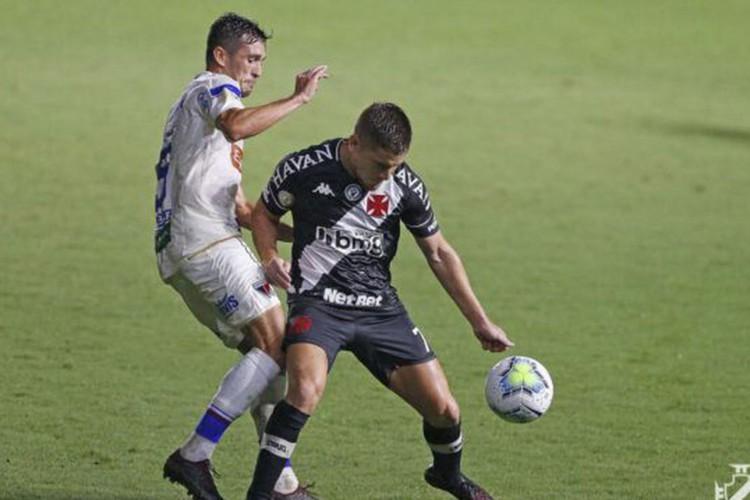 Brasileiro: mesmo com 0 a 0, Vasco deixa a zona do rebaixamento (Foto: RAFAEL RIBEIRO)