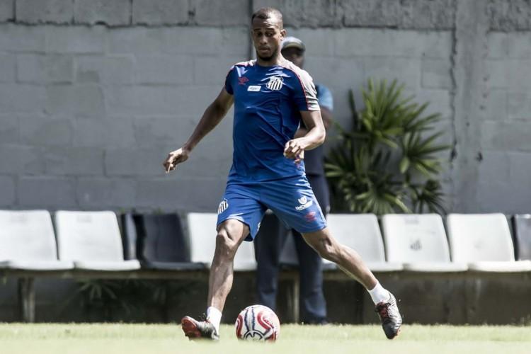 Copete treina normalmente no Santos, mas não pode jogar pela equipe na Série A  (Foto: Ivan Storti/Santos FC)
