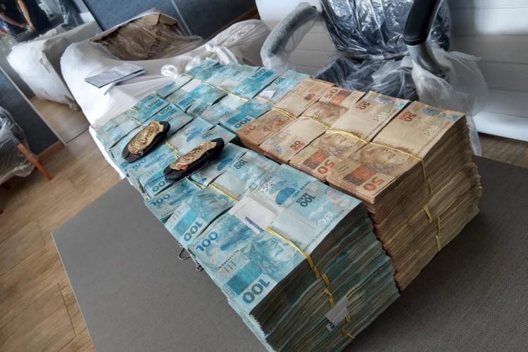 Operação apreendeu R$ 1.988.635,00 em dinheiro em empresa no Bairro de Fátima (Foto: DIVULGAÇÃO/POLÍCIA FEDERAL)
