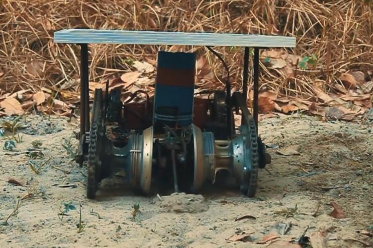 Vespertílio 01 é robô semeador para a agricultura familiar (Foto: Reprodução/Youtube)