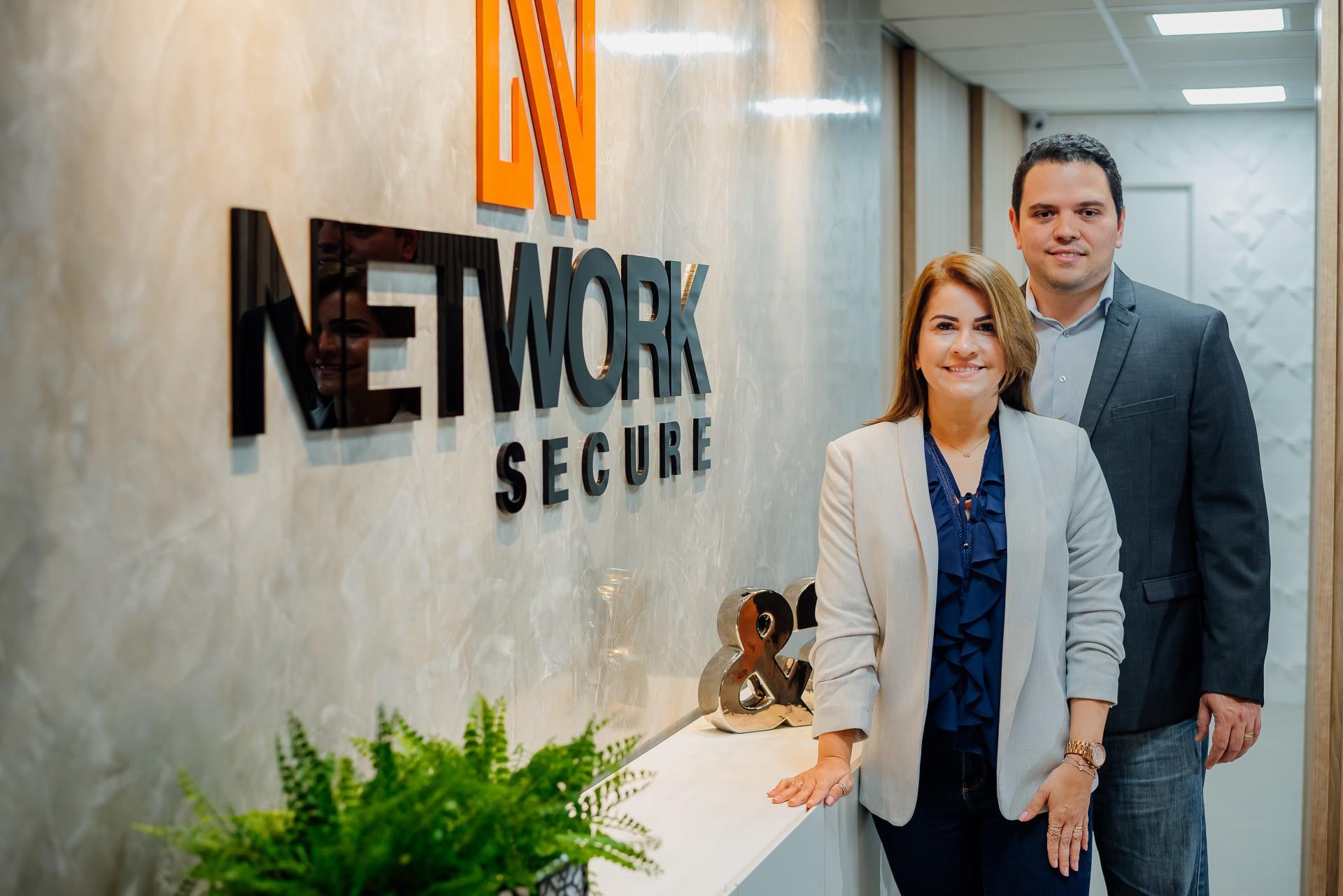 Andrea Cirino, diretora executiva, e Yure Sabino, diretor comercial da Network Secure