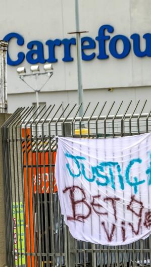Caso João Alberto chocou o Brasil e colocou as práticas de segurança do Carrefour em julgamento (Foto: SILVIO AVILA / AFP)