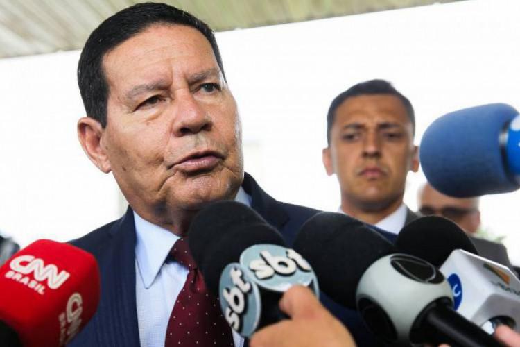 Questionado por jornalista, o vice-presidente negou  que o caso tenha ocorrido por questões raciais (Foto: Antonio Cruz/ Agência Brasil)