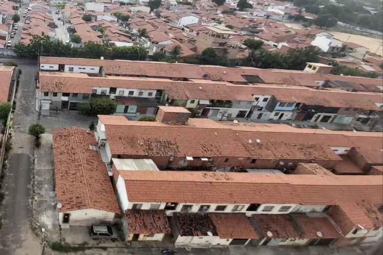 Comunidade Vertical sofre com a guerra entre facções no Passaré (Foto: LEITOR VIA WHATSAPP O POVO)
