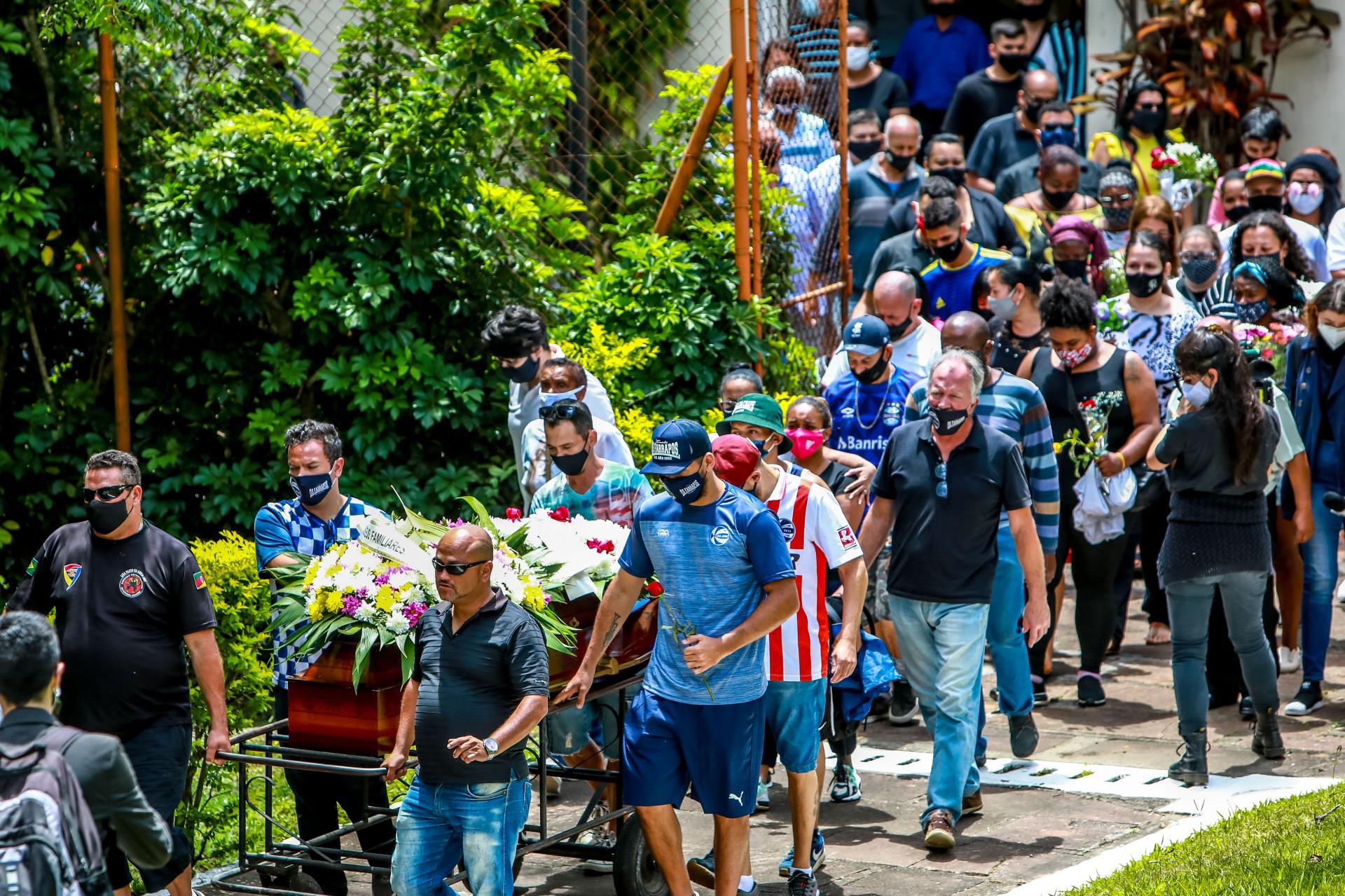 Amigos e familiares de João Alberto Silveira Freitas pedem justiça