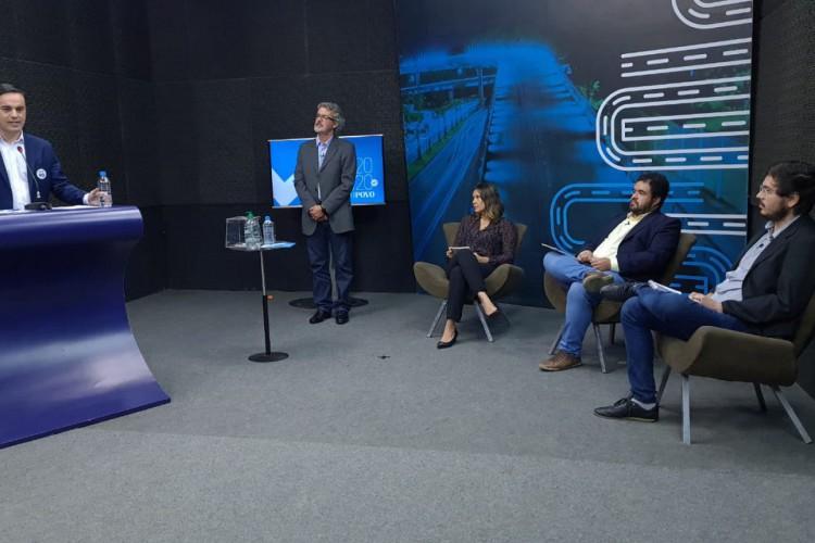 O candidato José Sarto não compareceu. Com isso, o debate torna-se uma entrevista com Capitão Wagner, o postulante presente (Foto: FCO Fontenele/ O POVO)