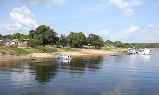 Santarém - Deslocamento de Santarém em barco recreio até o encontro das águas (Tapajos e Amazônia). Chegada na Comunidade de São Pedro