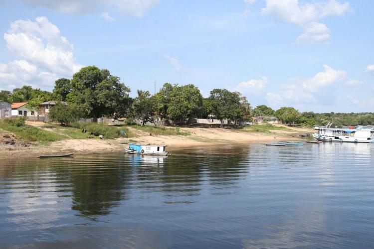 Santarém - Deslocamento de Santarém em barco recreio até o encontro das águas (Tapajos e Amazônia). Chegada na Comunidade de São Pedro (Foto: José Cruz /Agência Brasil)