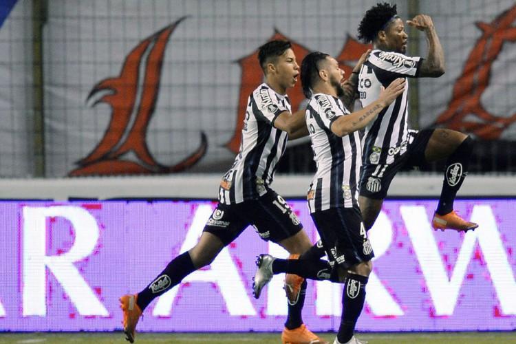 Libertadores: Santos vence altitude de Quito e sai na frente da LDU (Foto: )