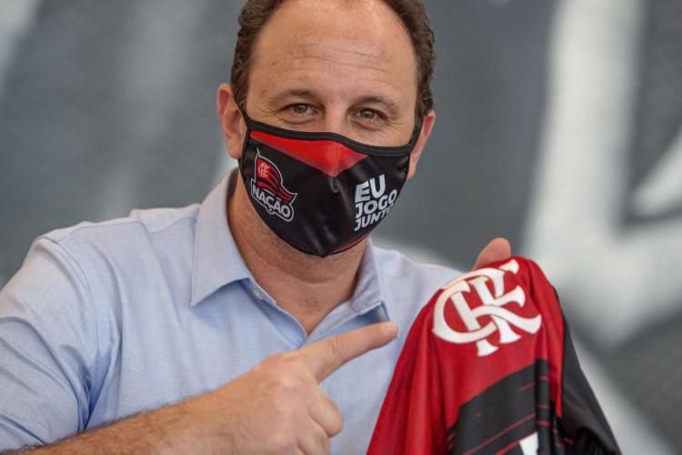Ceni busca 2ª vitória seguida para embalar o Flamengo, que enfrenta hoje o Racing pela Libertadores. Confira onde assistir ao vivo à transmissão do jogo e a provável escalação de cada time (Foto: Alexandre Vidal / Flamengo)