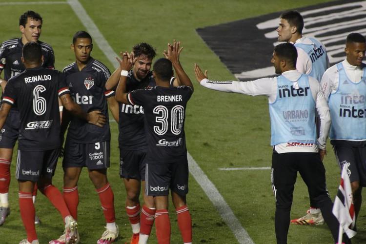 Sorteio define mandos das semifinais da Copa do Brasil (Foto: Miguel Schincariol)
