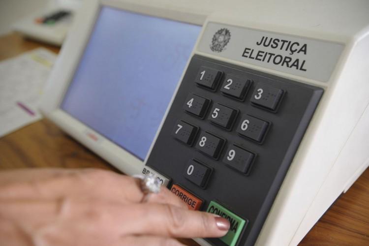 Eleitor não pode ser preso a partir desta terça-feira  (Foto: FABIO RODRIGUES-POZZEBOM/ABR)