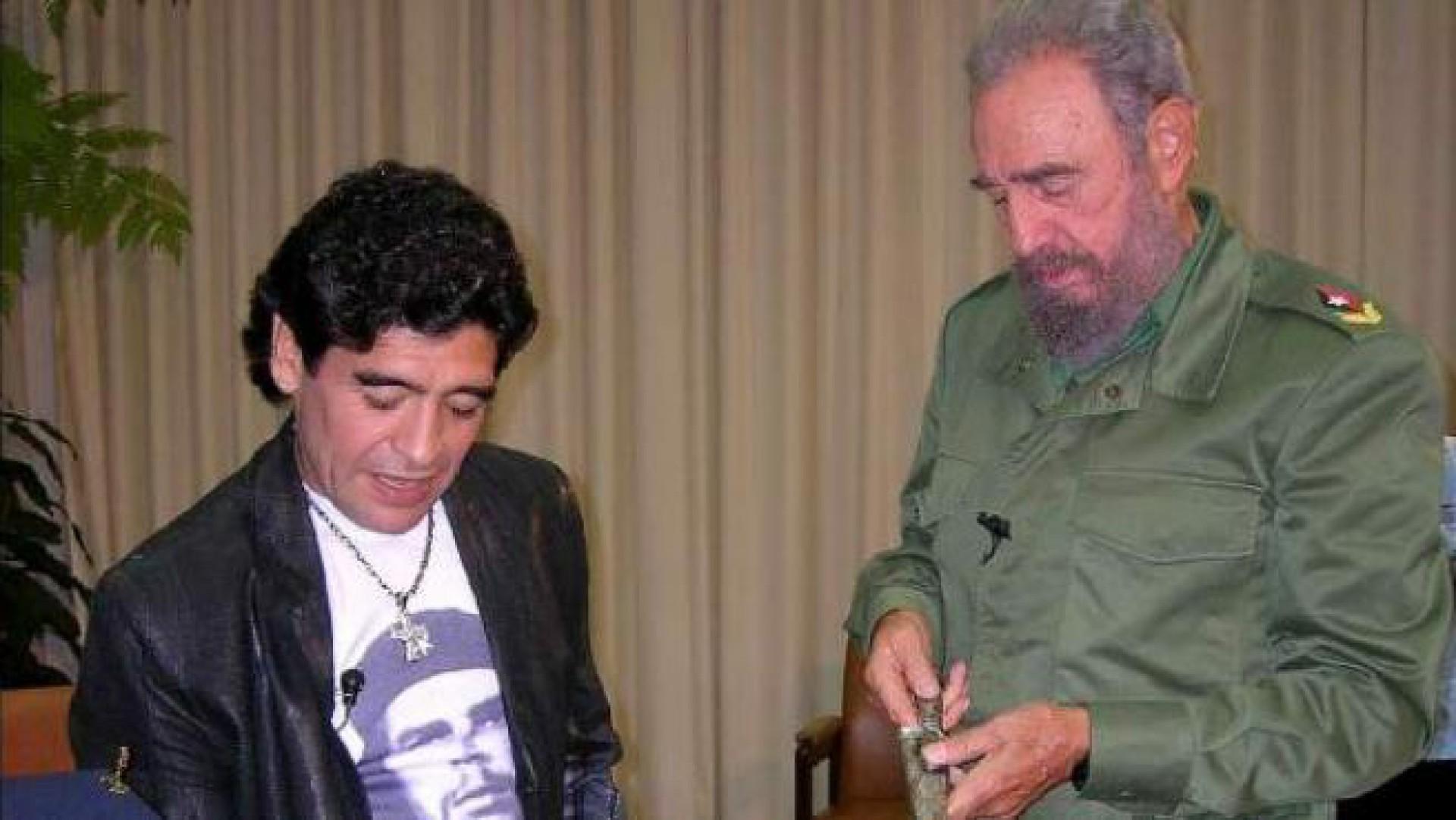 Maradona morre no dia em que o falecimento de Fidel Castro, seu amigo e  ídolo, completou 4 anos | Futebol | Esportes O POVO