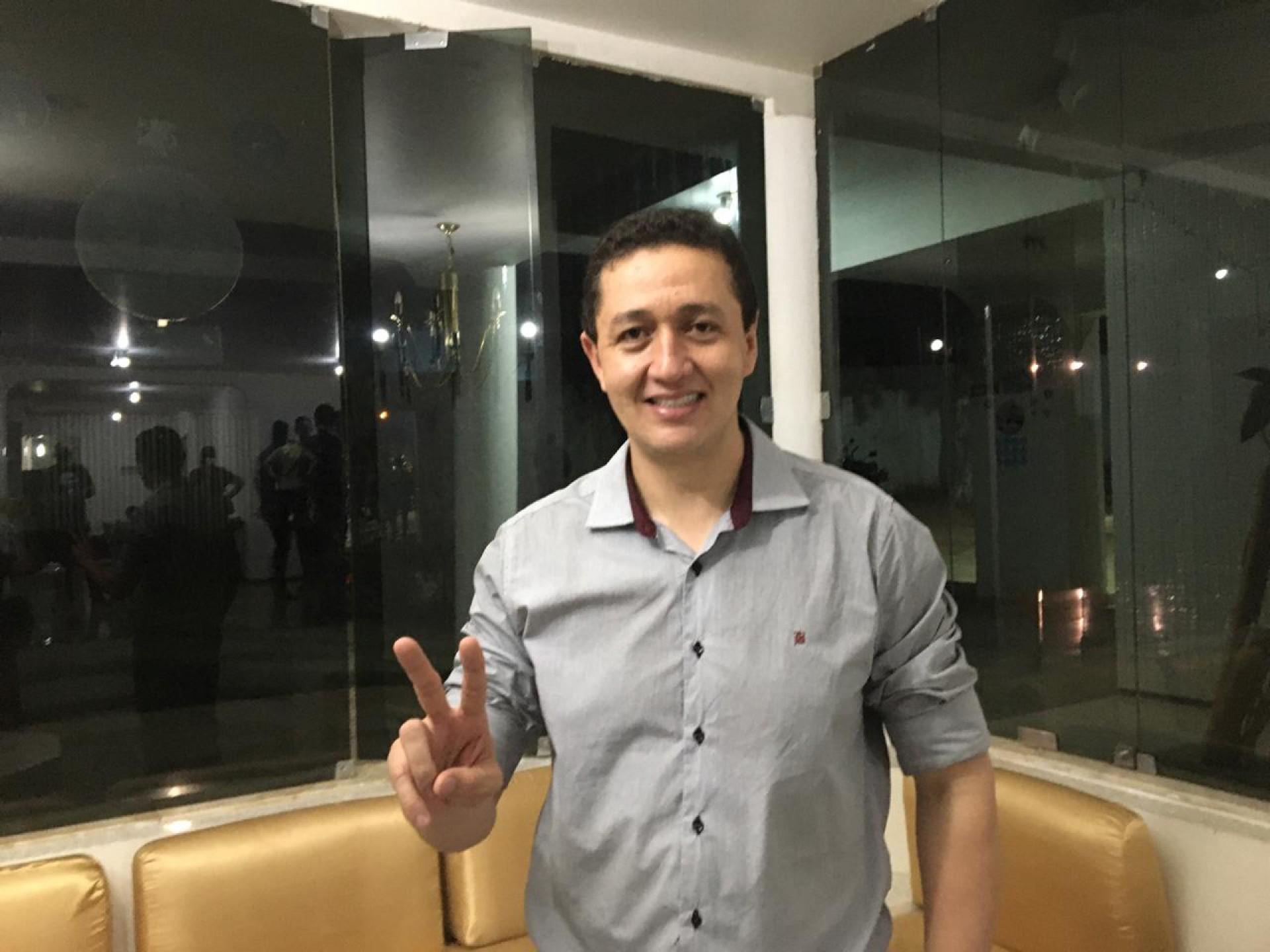 Glêdson Bezerra, prefeito de Juazeiro do Norte, foi empossado nesta sexta-feira, 1º