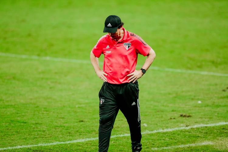 Fernando Diniz não é mais técnico do São Paulo (Foto: JÚLIO CAESAR)