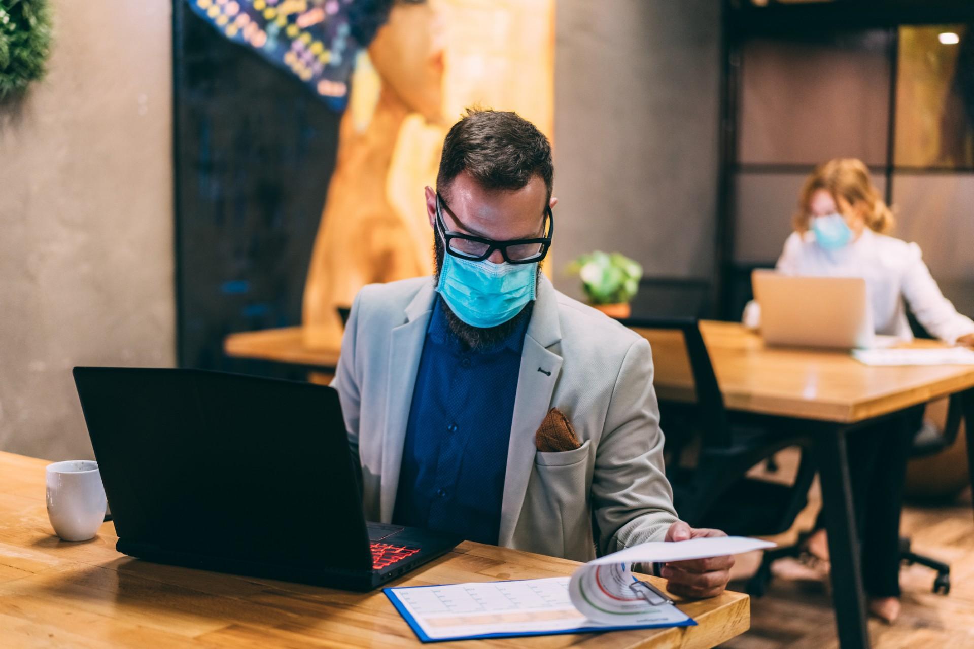 """O trabalho sob ponto de vista emocional será tema de palestra no """"WEBINAR Saúde e Segurança no Trabalho: A Retomada Pós-Pandemia"""", no próximo dia 7 de dezembro"""