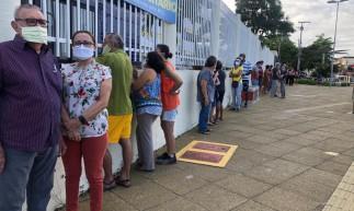 Eleitores chegaram ao local de votação às 6 horas da manhã
