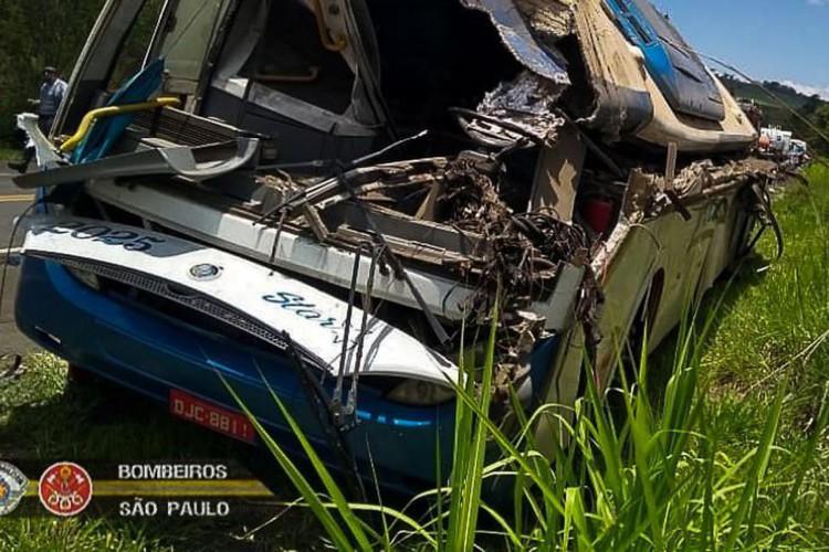 Acidente/Rodovia SP 249/ Taguaí (Foto: Bombeiros PMESP)
