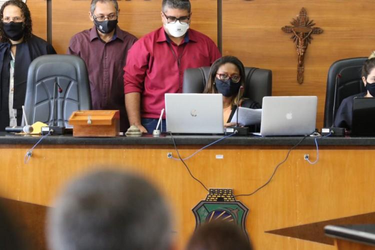 Julgamento de Marcelo Barberena acontece na Câmara Municipal de Paracuru. (Foto: Foto: Fábio Lima/ O POVO)