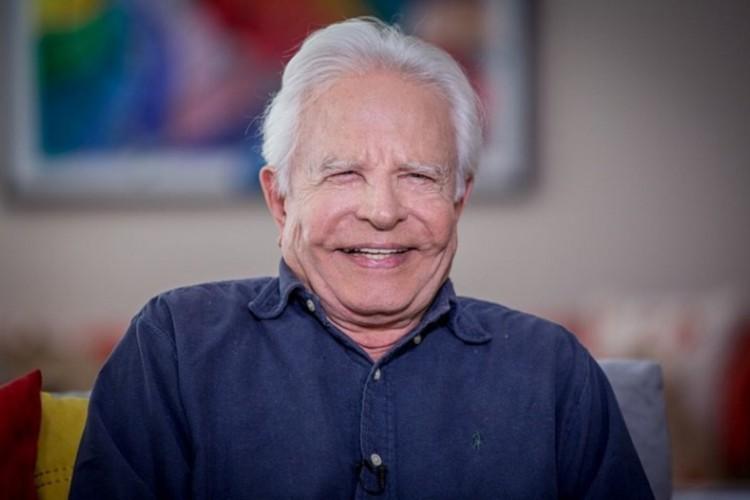 Cid Moreira começou no rádio aos 17 anos (Foto: Reprodução/Rádio Conhecer)