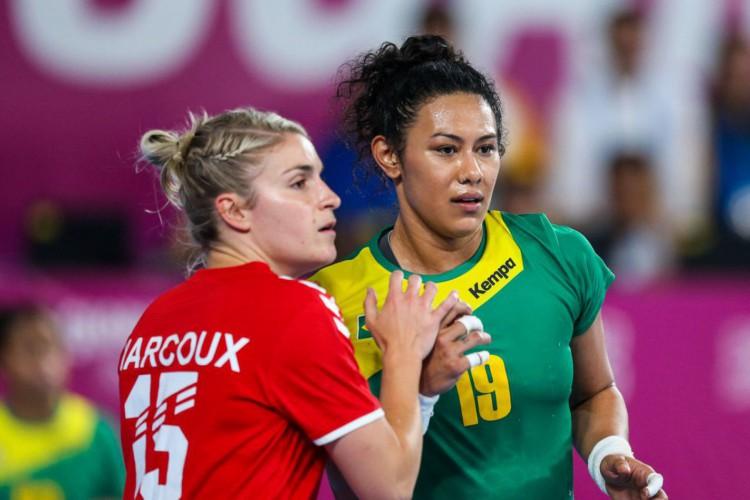 Elaine Gomes, pivô da seleção brasileira de handebol, foi contratada nesta segunda-feira (30) pela equipe espanhola Granollers (Foto: Abelardo Mendes Jr/ rededoesporte.gov.br)