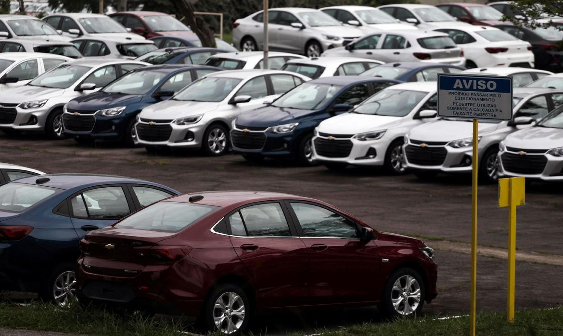 Venda de automóveis caíram 23,79% no acumulado do ano no Ceará