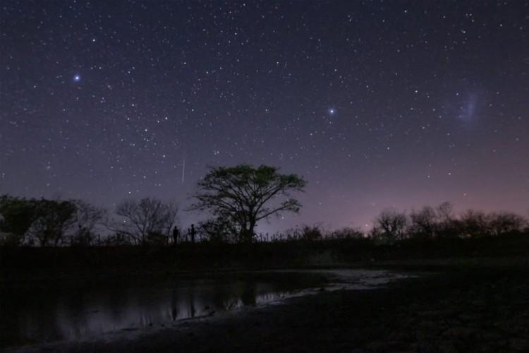 Chuva de meteoros que poderá ser vista no Ceará é o último fenômeno astronômico mais expressivo do ano (Foto: Paulo Régis/CASF)