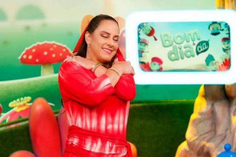 A apresentadora Silvia Abravanel criticou quem está saindo para festa e quem faz exames para frequentar locais  (Foto: Reprodução/ Instagram)
