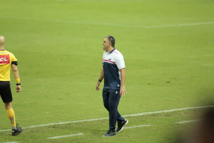 Técnico Marcelo Chamusca comandou o Fortaleza em cinco jogos até o momento (Foto: Julio Caesar)